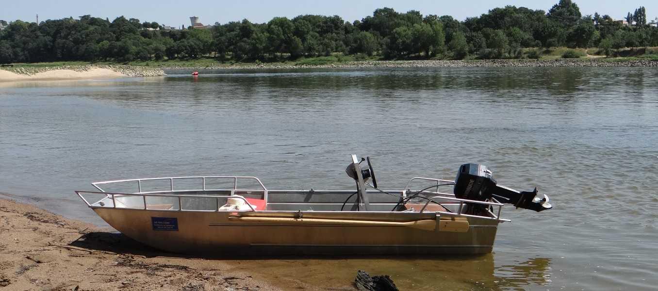 Barco-de-pesca-ligero