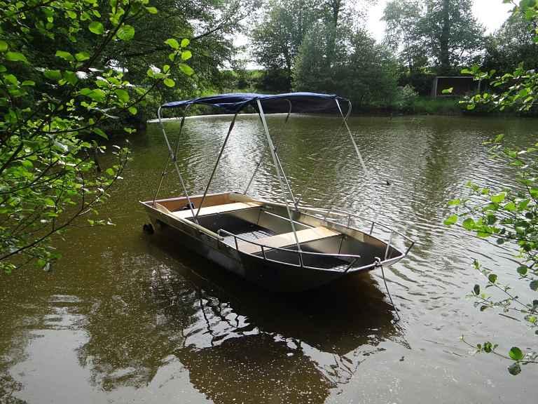 bote-de-pesca