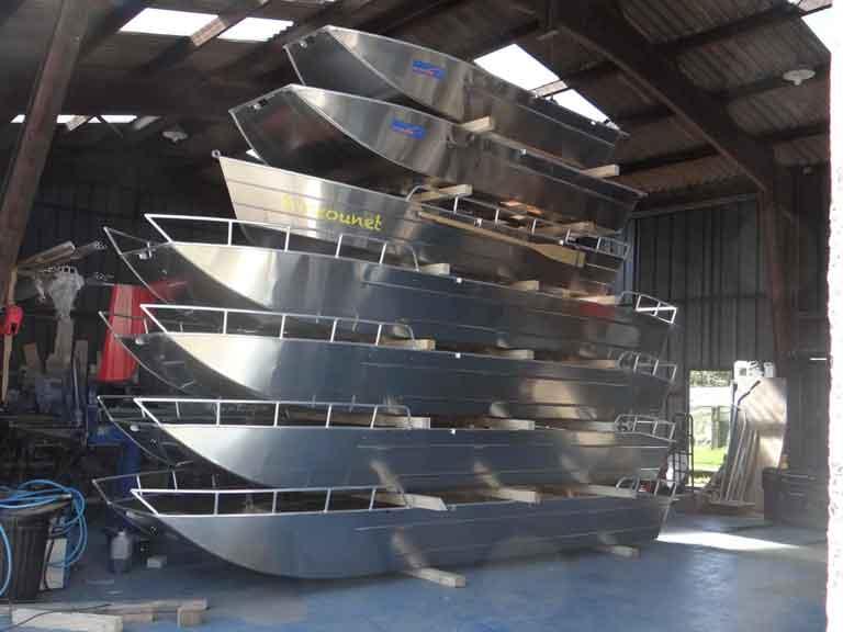 Bote de pesca ligero de aluminio