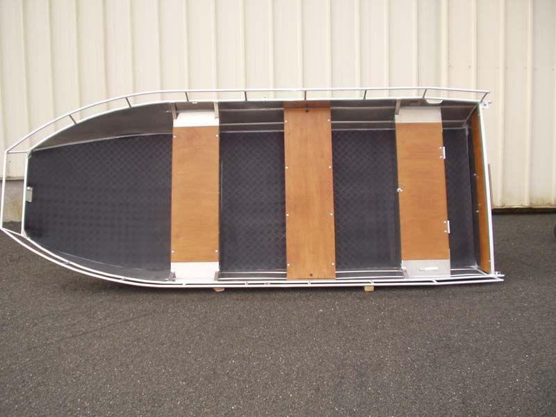 Barco de fondo plano (1)