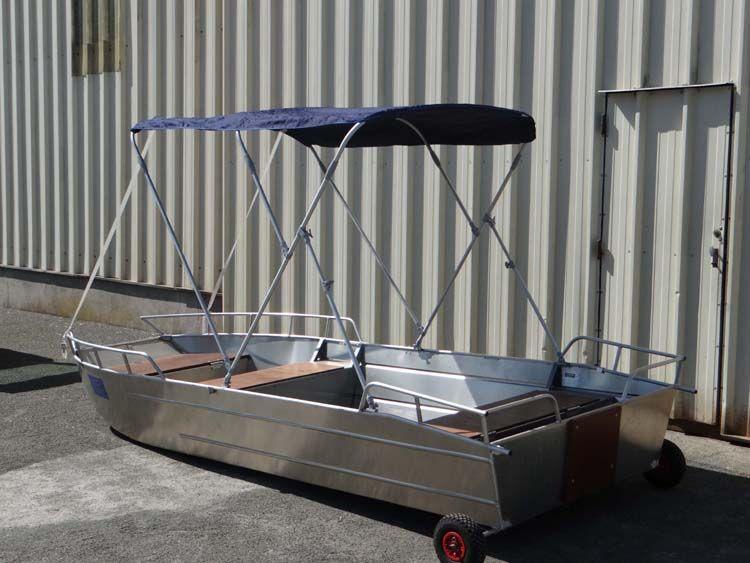 Barco de aluminio con fondo plano (7)