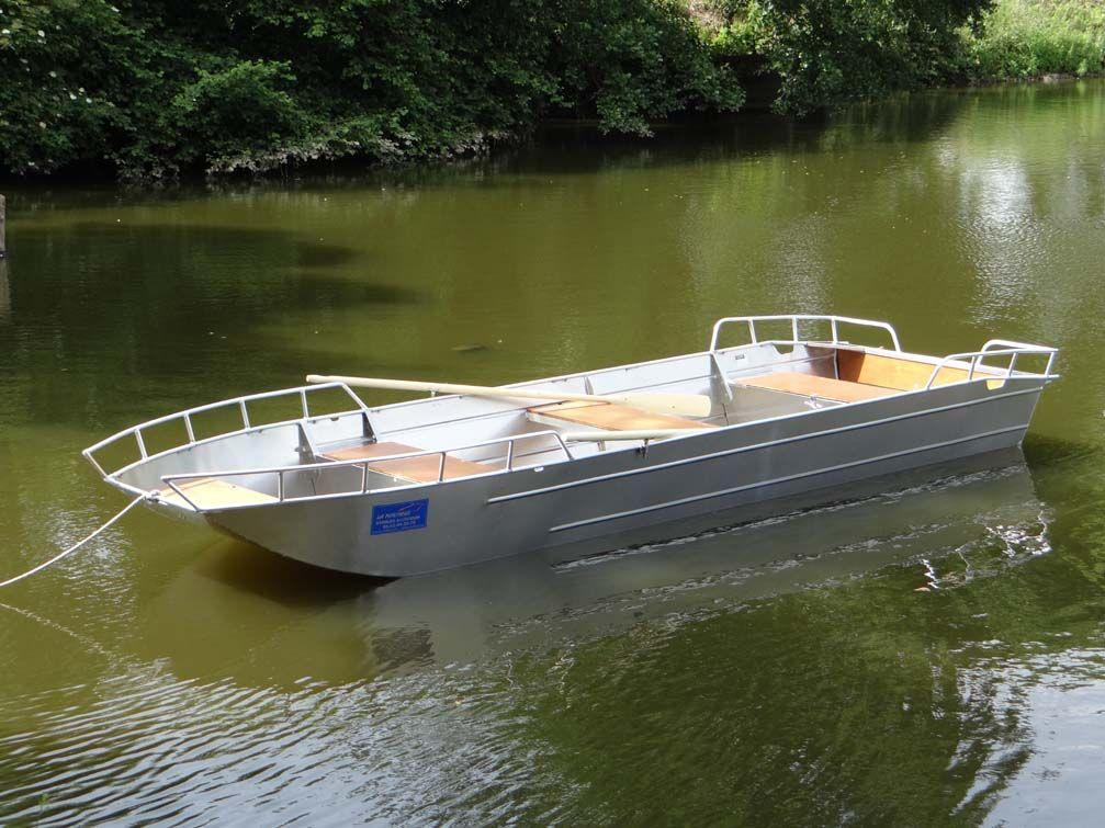Barco de aluminio con fondo plano (12)
