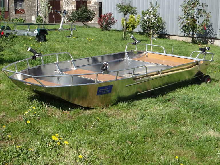 Barco de aluminio con fondo plano (17)