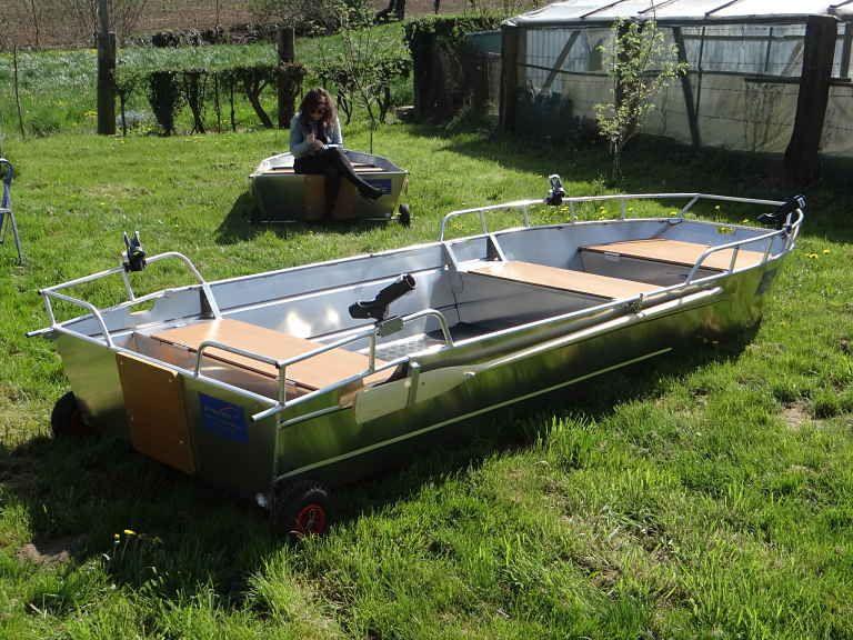 Barco de aluminio con fondo plano (18)