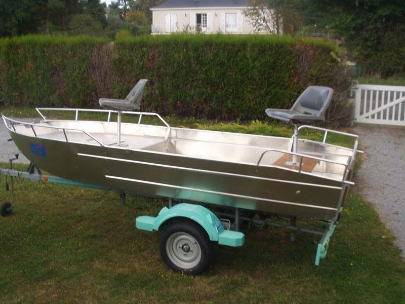 Barco de aluminio con fondo plano (21)