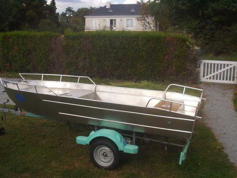 Barco de aluminio con fondo plano (22)