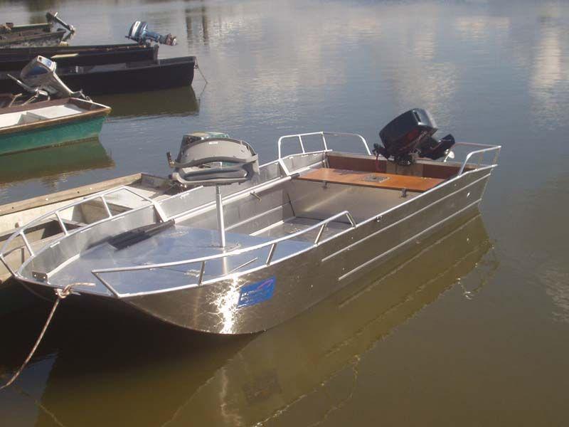 Barco de aluminio con fondo plano (24)