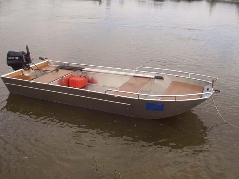 Barco de aluminio con fondo plano (25)