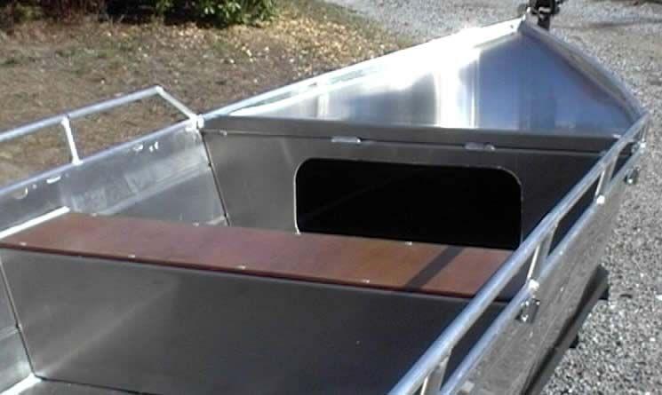 Barco de aluminio con fondo plano (28)