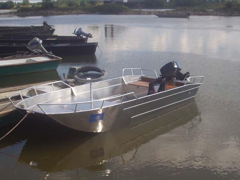 Barco de aluminio con fondo plano (3)