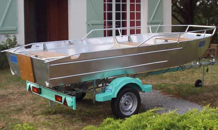 Barco de aluminio con fondo plano (34)