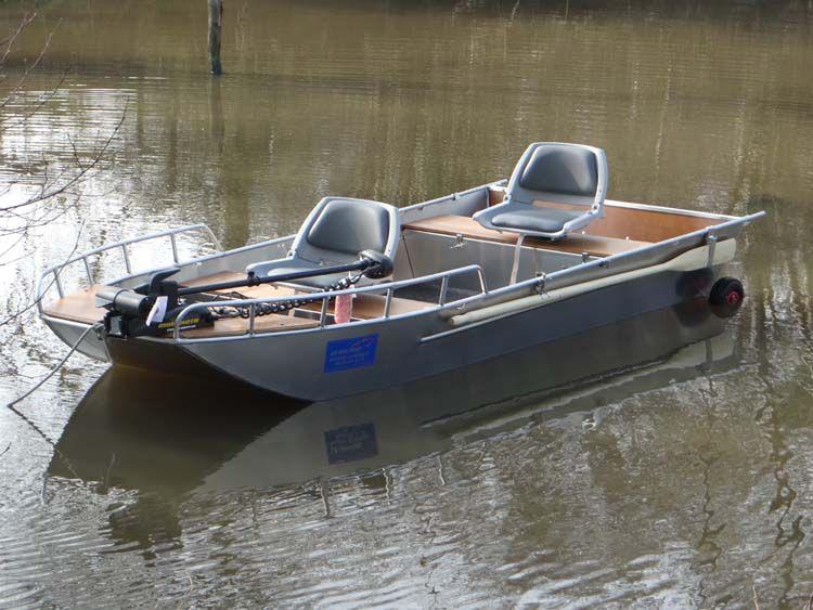Barco de aluminio con fondo plano (8)