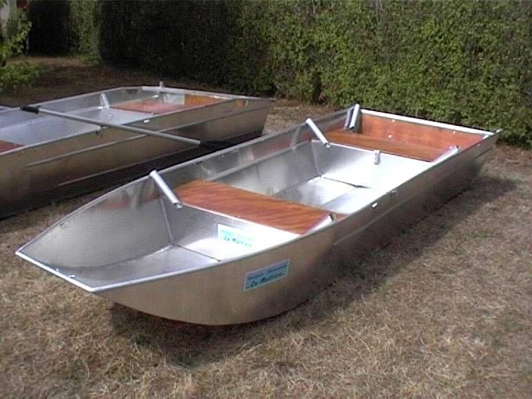 Barco de aluminio hecho a mano (15)