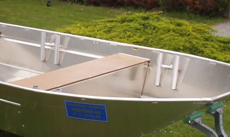 Barco de aluminio hecho a mano (20)