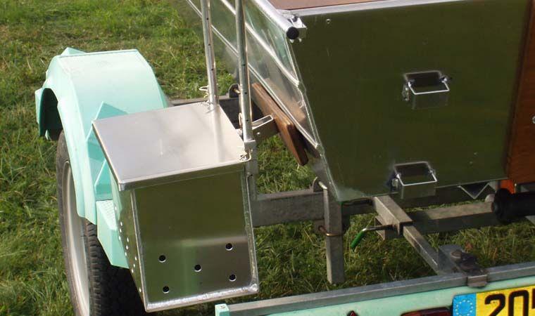 Barco de aluminio hecho a mano (1)