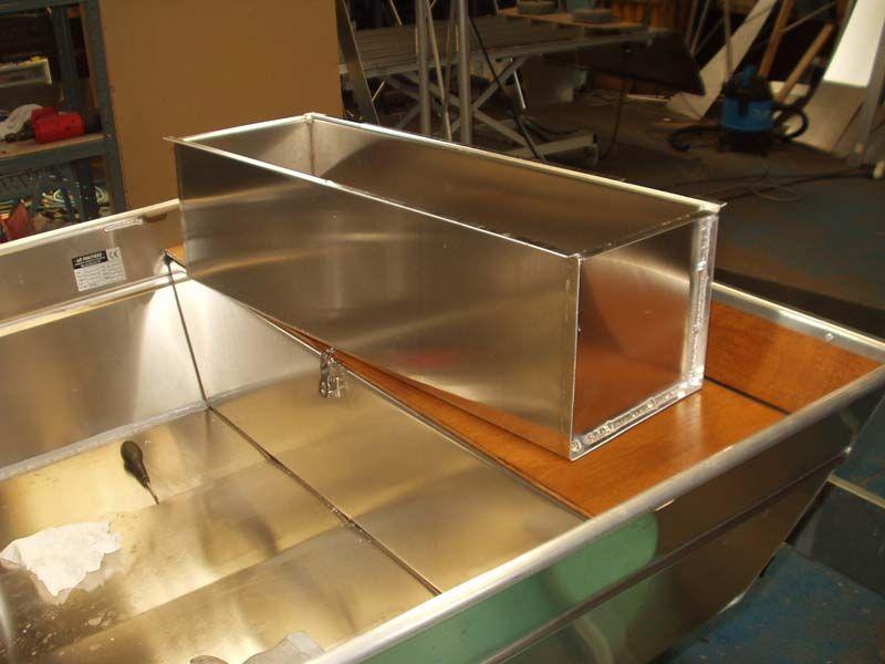 Barco de aluminio hecho a mano (18)