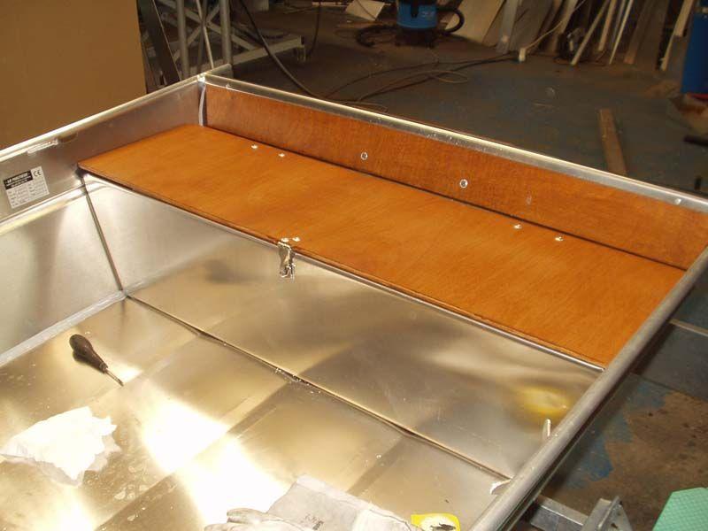 Barco de aluminio hecho a mano (6)